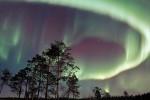空に踊るオーロラ、洗練されたテキスタイル…大人を魅了する北欧の旅 光射す、フィンランドへ Northern light