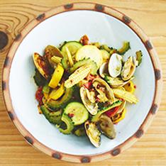 夏野菜とアサリのココナッツカレー炒め